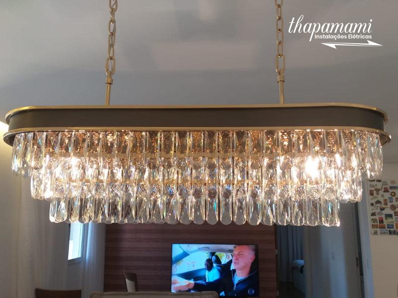 Instalação de Lustre Vertical de Cristal